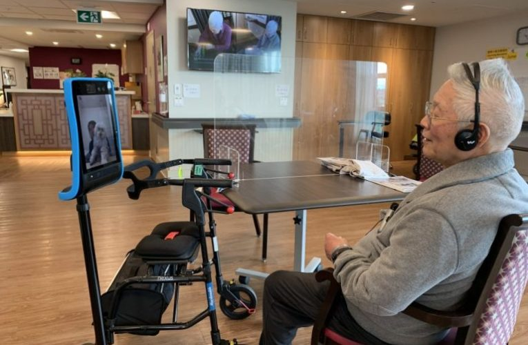 Robots with iPads help B.C. long-term care residents connect with loved ones