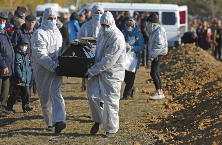 Russia hits record number of COVID-19 deaths amid surge in new cases